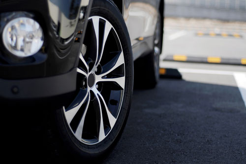 How to Tell Your Wheels are Out of Alignment