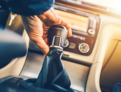 7 Things You Shouldn't Do While Driving a Manual Car